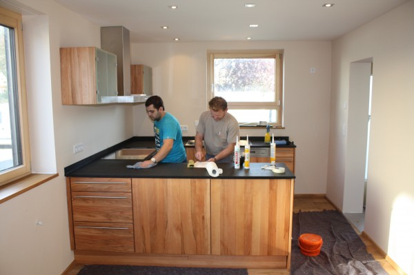 Küche Schwarze Arbeitsplatte vervango fliesen